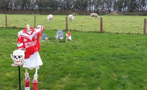 Headless Hurler Supporting Loughgiel Men and Woman #UlsterFinals